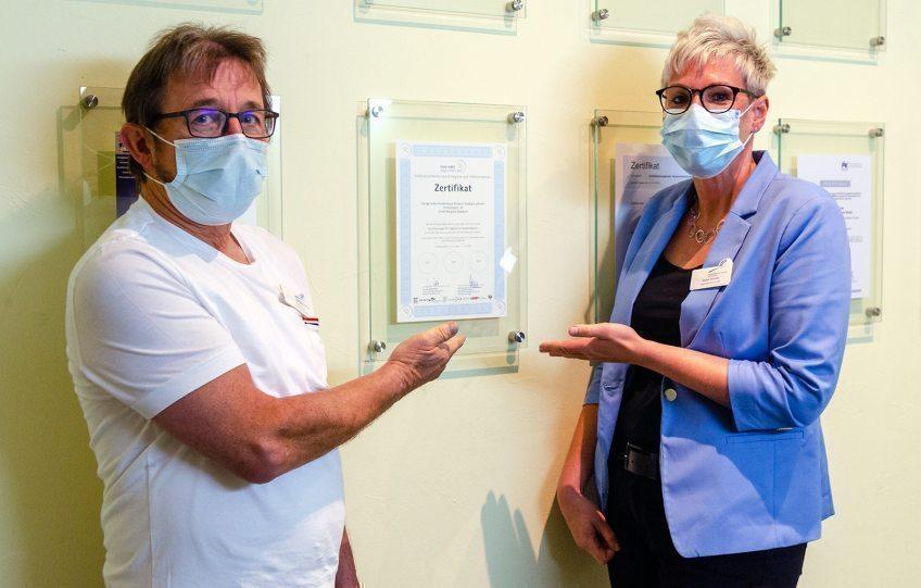 Das Hygiene-Siegel wurde zum dritten Mal an das Evangelische Krankenhaus Bergisch Gladbach verliehen