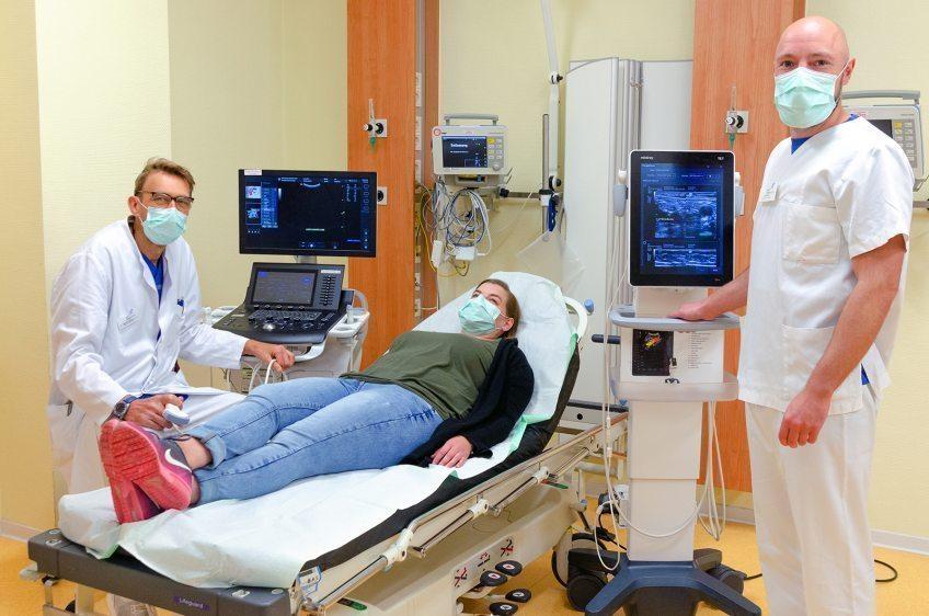 Mit zwei neuen Ultraschallgeräten und videogesteuertem Intubieren erweitert die Zentrale Notaufnahme des EVK ihr Leistungsspektrum.