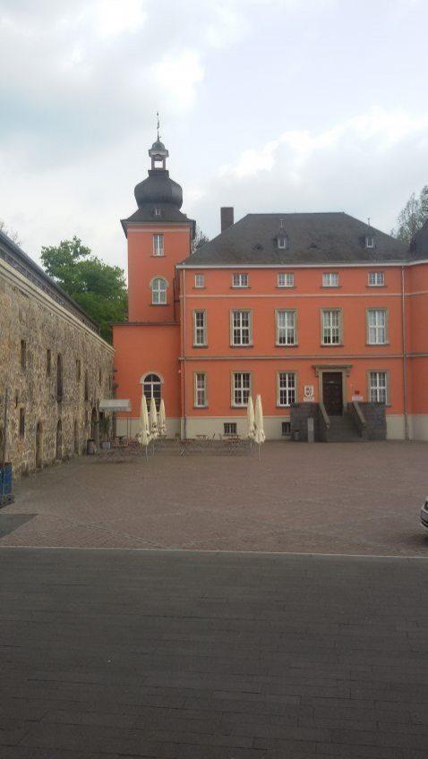 Quattro Passi mit neuem Weinlokal auf der Burg-Terrasse