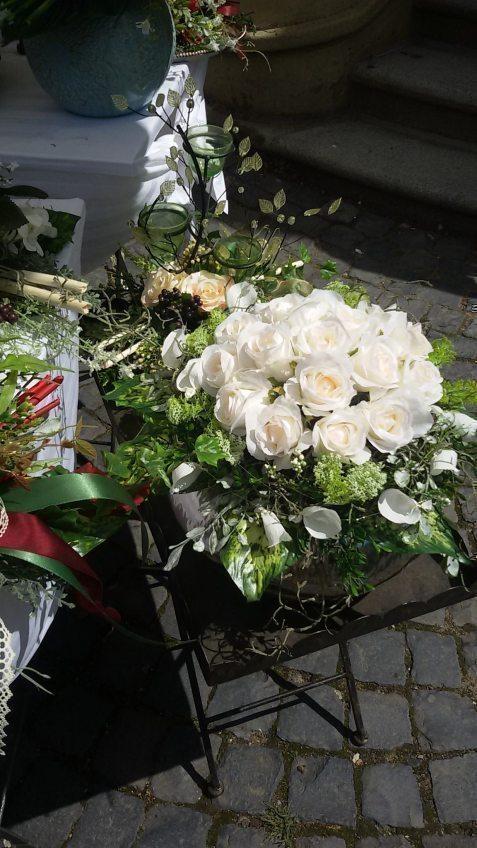 Rosenfest auf Schloss Eulenbroich großer Erfolg bei strahlendem Sonnenschein