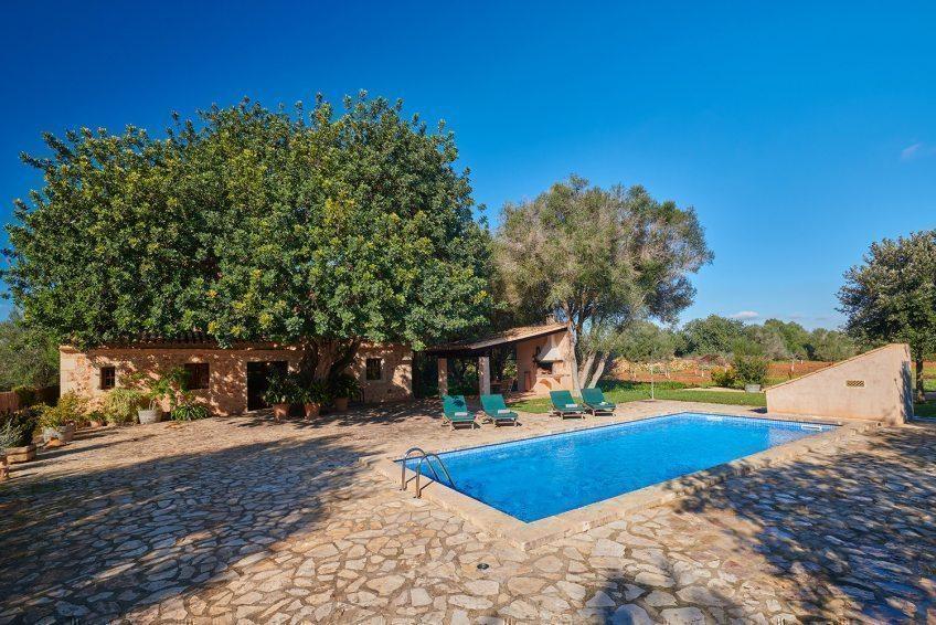 Finca Els Ermassos bietet himmlische Ruhe inmitten mallorquinischer Felder  Sonderkonditionen für 2021 können schon jetzt bei Finca Mallorca genutzt  werden