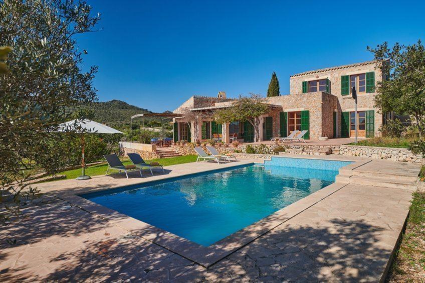 Fr%C3%BChling-Sommer-2021-in-Mallorca%3A-Bruchsteinfinca-mit-wundervollem-Blick