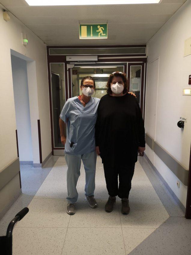 Covid-19-Patienten sind wieder genesen Zwei Beispiele sind Frank Perrad und Sabine Hennies aus Köln